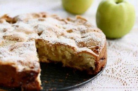Рецепт шарлотки с яблоками (2015)