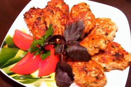 Куриные котлетки с сулугуни и зеленью (2015)