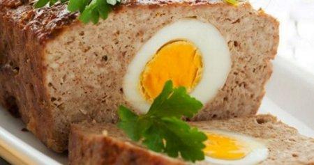 Мясной хлеб с вареными яйцами (2015)