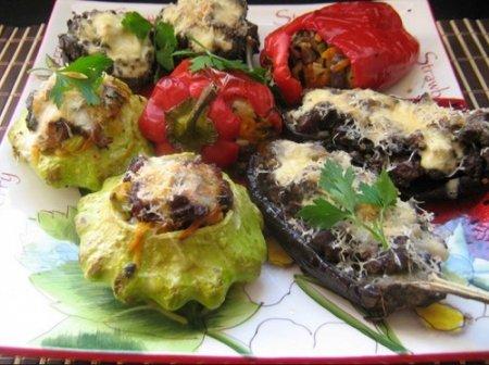 Овощи, фаршированные мясом: перец, помидор, баклажан (2013)