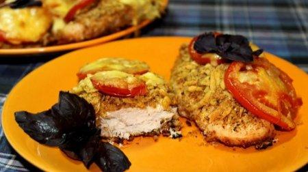 Куриная грудка в сырной панировке из серии «Блюда из курицы» (2015)
