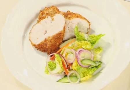 Куриная грудка с пармезаном из серии «Блюда из курицы» (2015)
