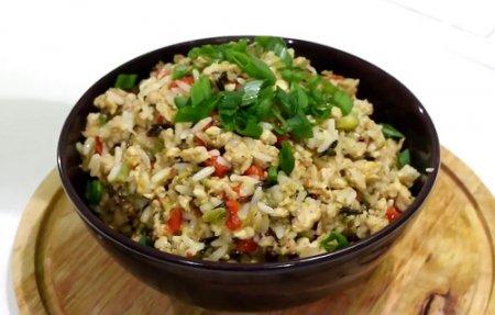 Куриный фарш с овощами и рисом из серии «Блюда из курицы» (2015)