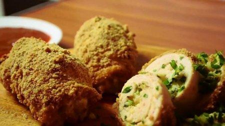 Куриные рулеты с тягучим сыром из серии «Блюда из курицы» (2015)
